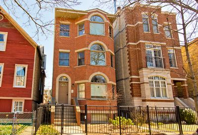 3713 North Janssen Avenue Chicago IL 60613