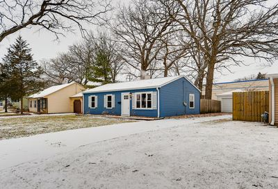 6 East Pine Street Streamwood IL 60107