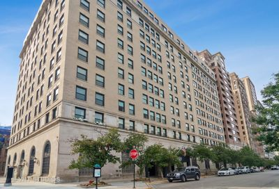 2100 North Lincoln Park West Chicago IL 60614