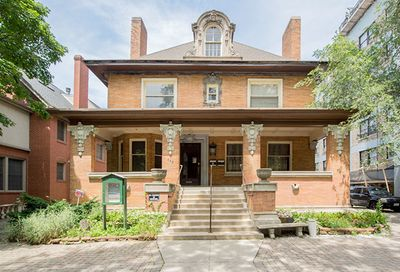 448 West Barry Avenue Chicago IL 60657