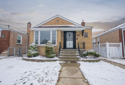 8108 South Troy Street Chicago IL 60652