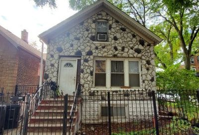 2725 West Iowa Street Chicago IL 60622