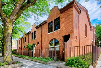 821 West Willow Street Chicago IL 60614