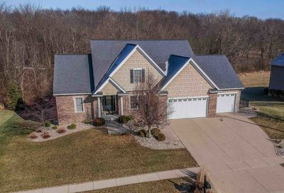 22 Crooked Creek Court Bloomington IL 61705