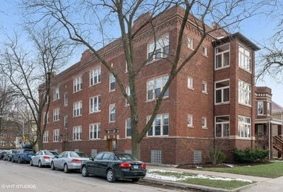 3753 West Byron Street Chicago IL 60618