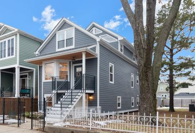 4138 North Whipple Street Chicago IL 60618
