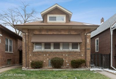 7949 South Manistee Avenue Chicago IL 60617