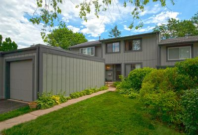 491 Conway Bay Roselle IL 60172
