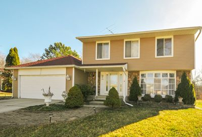1021 Fall Circle Roselle IL 60172