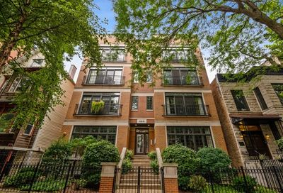 840 West Roscoe Street Chicago IL 60657