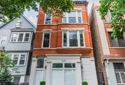 1026 West Roscoe Street Chicago IL 60657