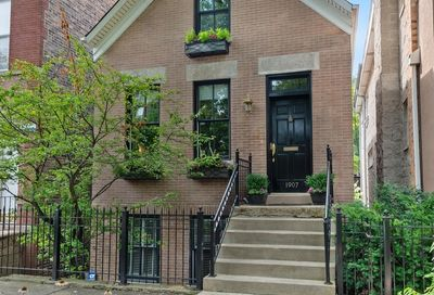 1907 West Dickens Avenue Chicago IL 60614