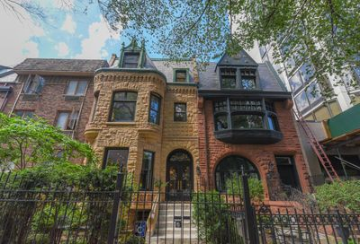 32 East Bellevue Place Chicago IL 60611
