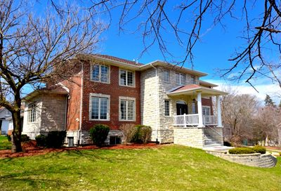 240 East 55th Street Westmont IL 60559
