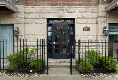 1144 West Roscoe Street Chicago IL 60657