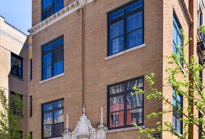 537 West Roscoe Street Chicago IL 60657