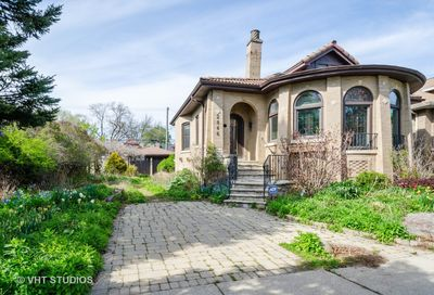 2846 West Greenleaf Avenue Chicago IL 60645