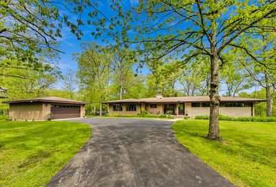 2670 Forest Glen Trail Riverwoods IL 60015