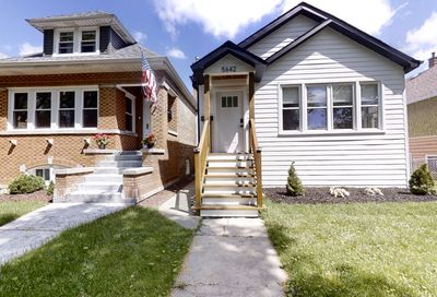 5642 West Giddings Street Chicago IL 60630