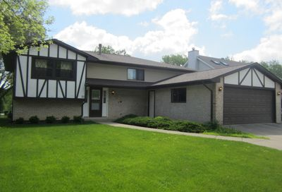 21 Linda Lane Streamwood IL 60107