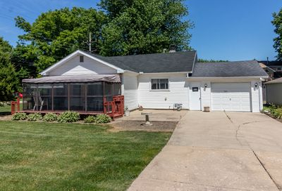 325 North Gage Street Somonauk IL 60552