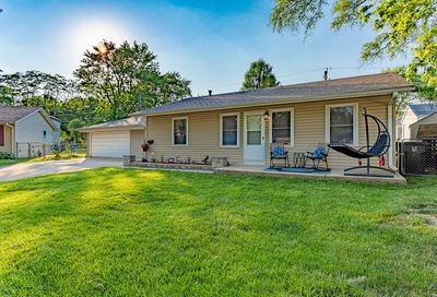 311 Cedar Court Streamwood IL 60107