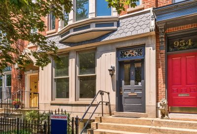 956 West Dickens Avenue Chicago IL 60614