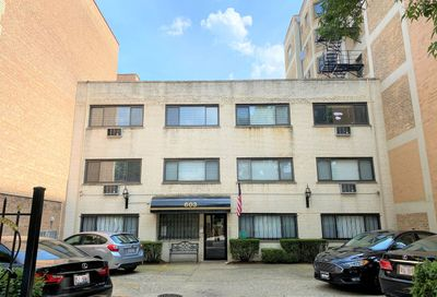603 West Stratford Place Chicago IL 60657
