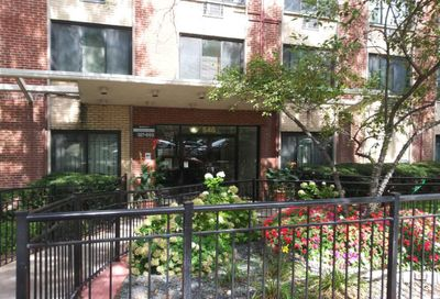 540 West Roscoe Street Chicago IL 60657