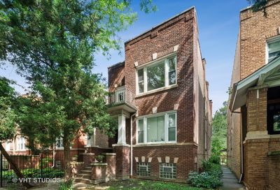 5234 West Byron Street Chicago IL 60641