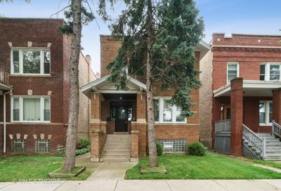 5230 West Byron Street Chicago IL 60641