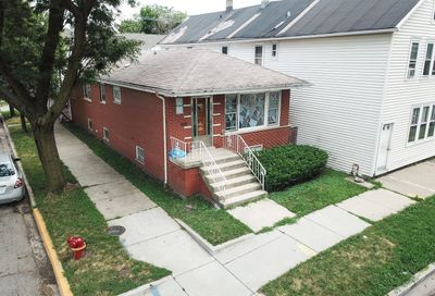2701 South Hillock Avenue Chicago IL 60608