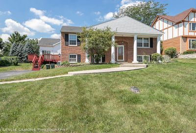 8424 Walredon Avenue Burr Ridge IL 60527