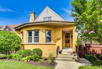 6611 North Onarga Avenue Chicago IL 60631