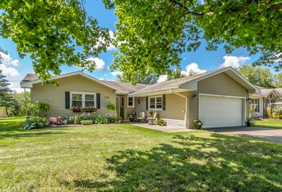 120 Tammy Lane Lake Holiday IL 60552