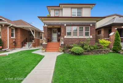 5961 North Hermitage Avenue Chicago IL 60660