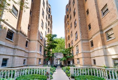 609 West Stratford Place Chicago IL 60657