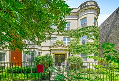712 West Roscoe Street Chicago IL 60657