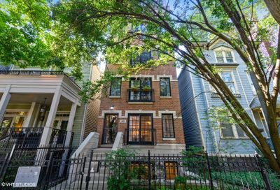 823 West Buckingham Place Chicago IL 60657