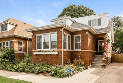 5827 North Fairfield Avenue Chicago IL 60659
