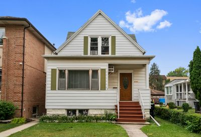 6043 West Giddings Street Chicago IL 60630