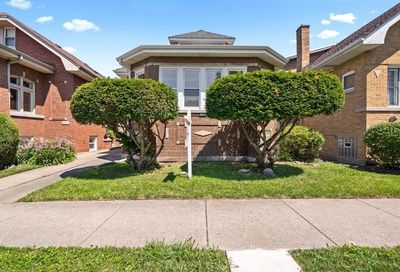 6511 North Fairfield Avenue Chicago IL 60645