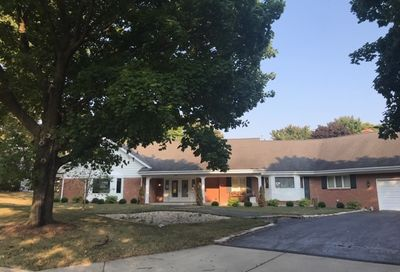 390 Parkside Drive Sycamore IL 60178