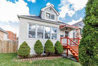 5712 West Grover Street Chicago IL 60630