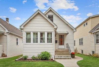 5519 West Giddings Street Chicago IL 60630