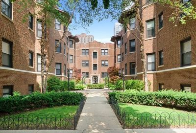 530 West Cornelia Avenue Chicago IL 60657