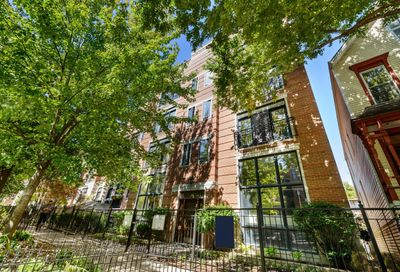 844 West Roscoe Street Chicago IL 60657