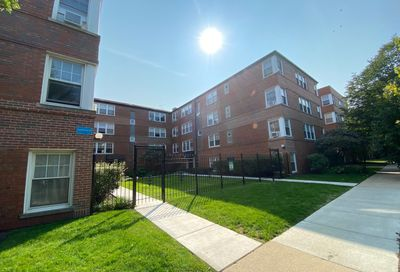 2429 West Farragut Avenue Chicago IL 60625