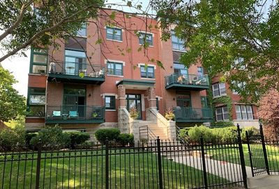 4646 North Beacon Street Chicago IL 60640