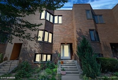1322 East 48th Street Chicago IL 60615